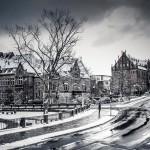 Straßenszene im verschneiten Marburg