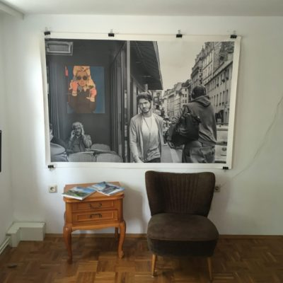 """""""Café de Paris""""  In dieser netten Atmosphäre können künstlerische Belange noch gemütlicher besprochen werden."""