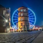 Düsseldorf Schlossturm und Riesenrad bei Nacht